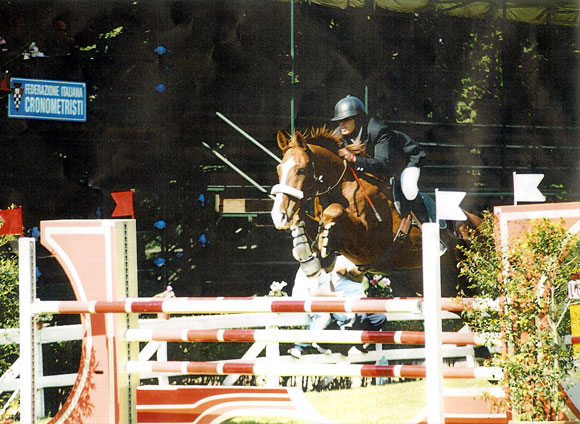 Domenico Tripoli using Total Contact saddle at the International Competition in Palermo